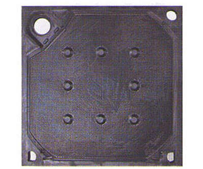 There is one piece of rubber membrane filter plate with corner feeding design and three drain holes.