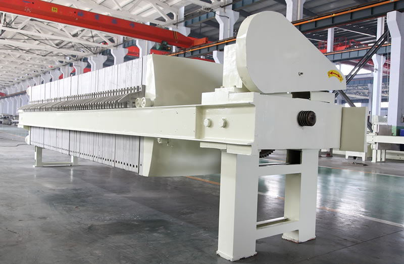 There is one main frame of mechanical filter press in the warehouse.